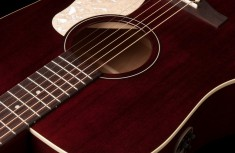 Art and Lutherie - Americana series - Tennessee Red - QIT electrics - Dreadnaught